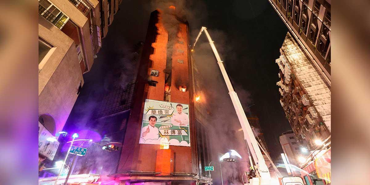 Al menos 46 muertos y decenas de heridos tras incendio de un edificio en Taiwán