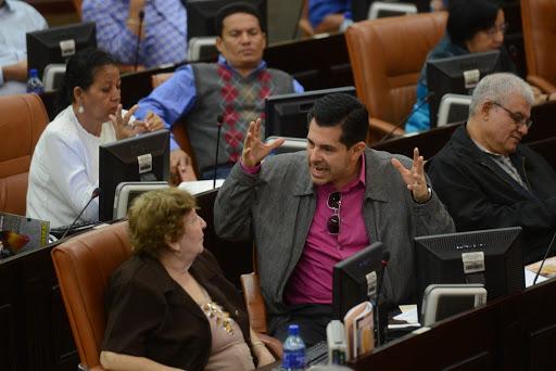 Señalan vicios de inconstitucionalidad en proyectos de ley promovidas por FSLN