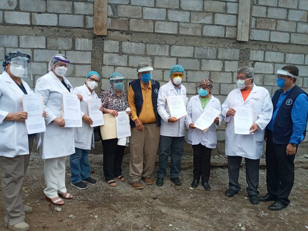 Médicos despedidos durante pandemia solicitan su reintegro