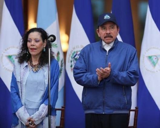 Presidente Trump advierte de sanciones para dictadores de Venezuela y Nicaragua