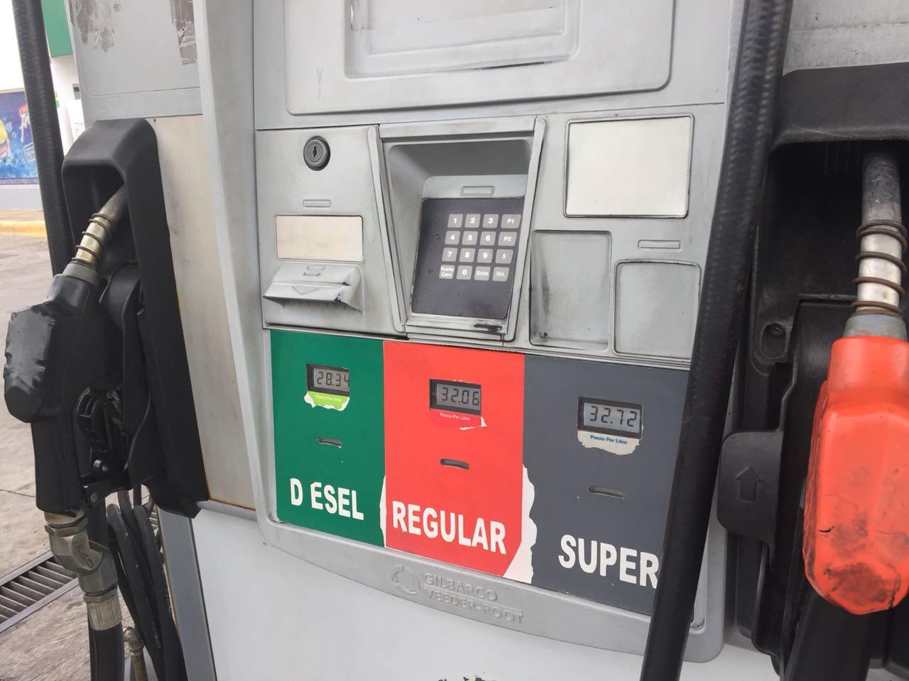Debe establecerse control de márgenes de petroleras para regular precio de combustibles, recomienda especialista