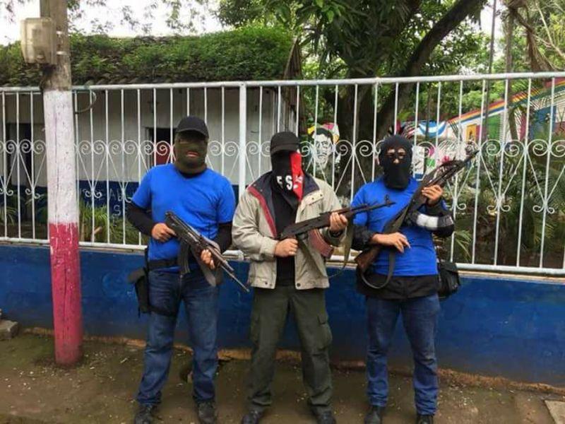 """Presunto paramilitar confiesa en mitin político """"17 muchachos me lleve yo"""""""